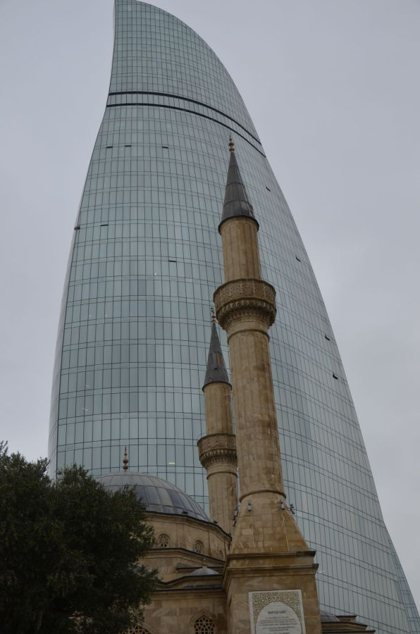 Moschee trifft Glaspalast